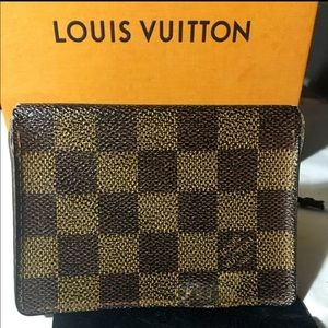 SOLDAuth Louis Vuitton Damier Card Holder